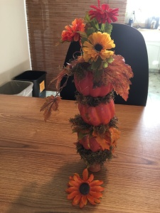 3-pumpkin-centerpiece